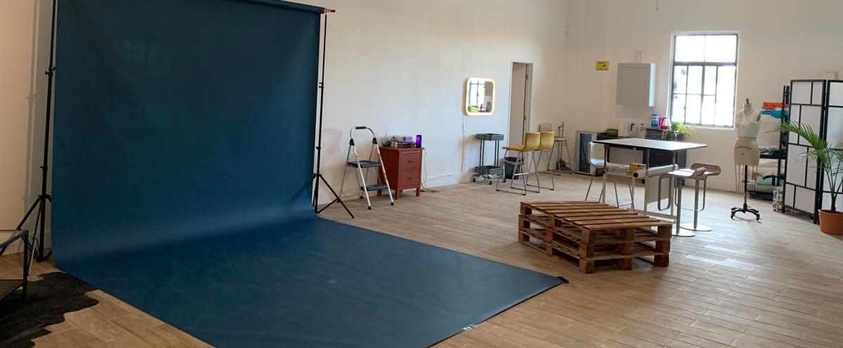 DTLA ART AND PHOTO STUDIO LOFT  I  GREAT NATURAL LIGHT  I  HIGH CEILINGS in Los Angeles Hero Image in Boyle Heights, Los Angeles, CA