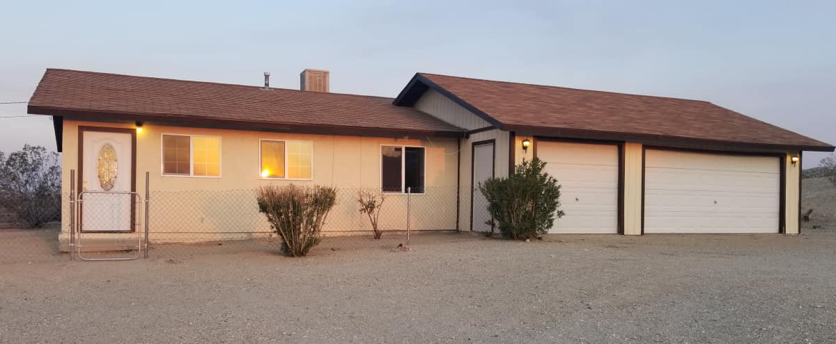 Suburban Ranch Style Home on 1.5 Acres in Barstow Hero Image in undefined, Barstow, CA