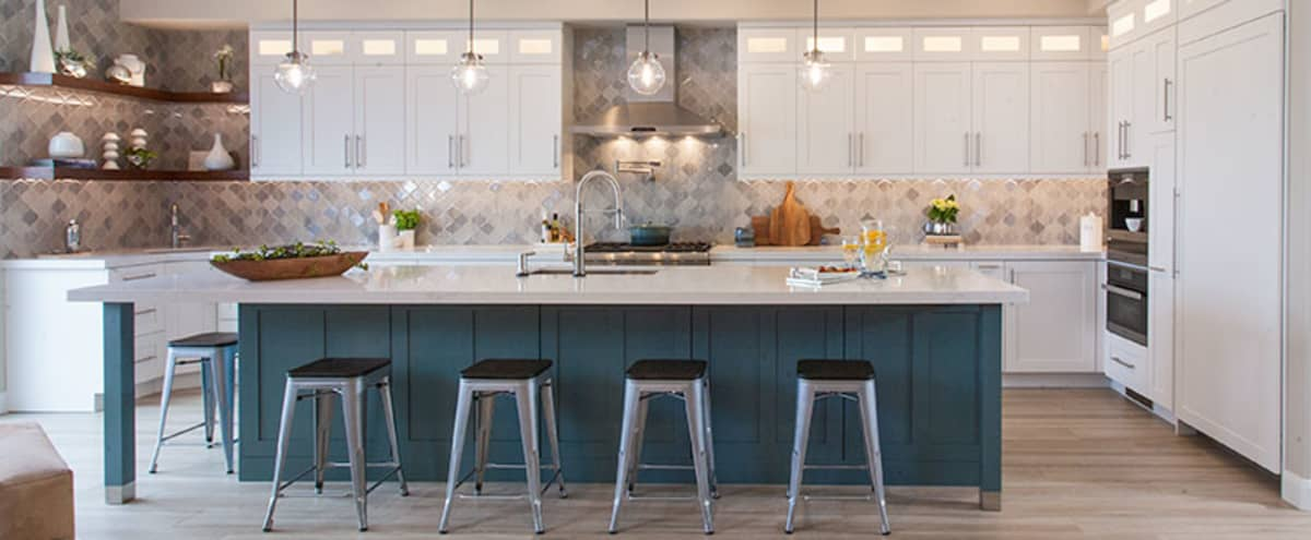 Urban Bright and Open Transitional Kitchen with Living Space | Perfect for Film & Photo Shoots in San Diego Hero Image in Miramar Ranch North, San Diego, CA