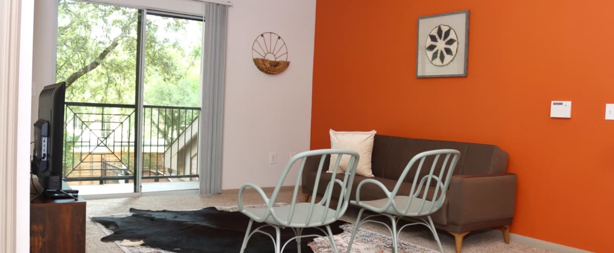 Bright & Modern Uptown Kirby Suite in Houston Hero Image in Southwest Houston, Houston, TX