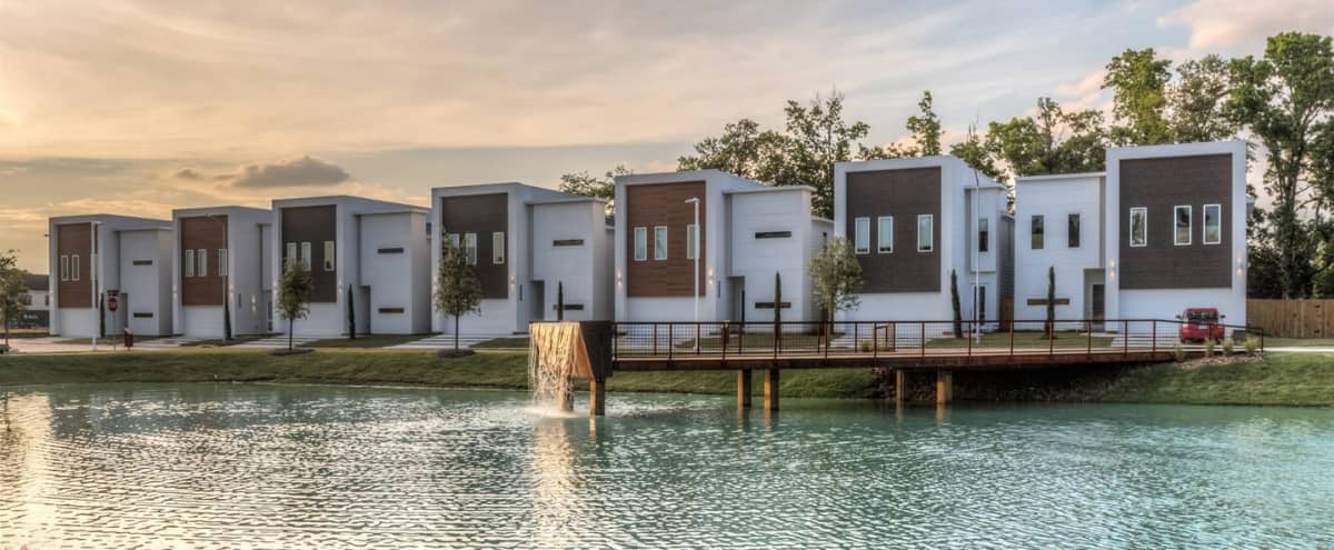 Ultra Modern Luxury Home in Houston Hero Image in Northside, Houston, TX