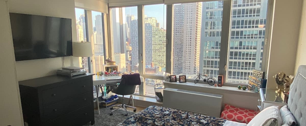 Bright and Sunny Midtown Loft Kitchen Living Room 2Bedrooms 1Full Bathroom in New York Hero Image in Midtown Manhattan, New York, NY