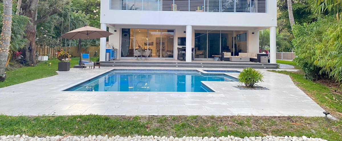Casa Rio - Contemporary & Luxurious Riverfront Home w/ Resort Style Pool in Fort Lauderdale Hero Image in Riverside Park, Fort Lauderdale, FL