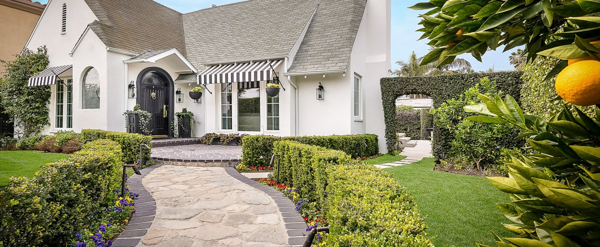 English Cottage Old Hollywood Bungalow in Los Angeles Hero Image in Fairfax, Los Angeles, CA