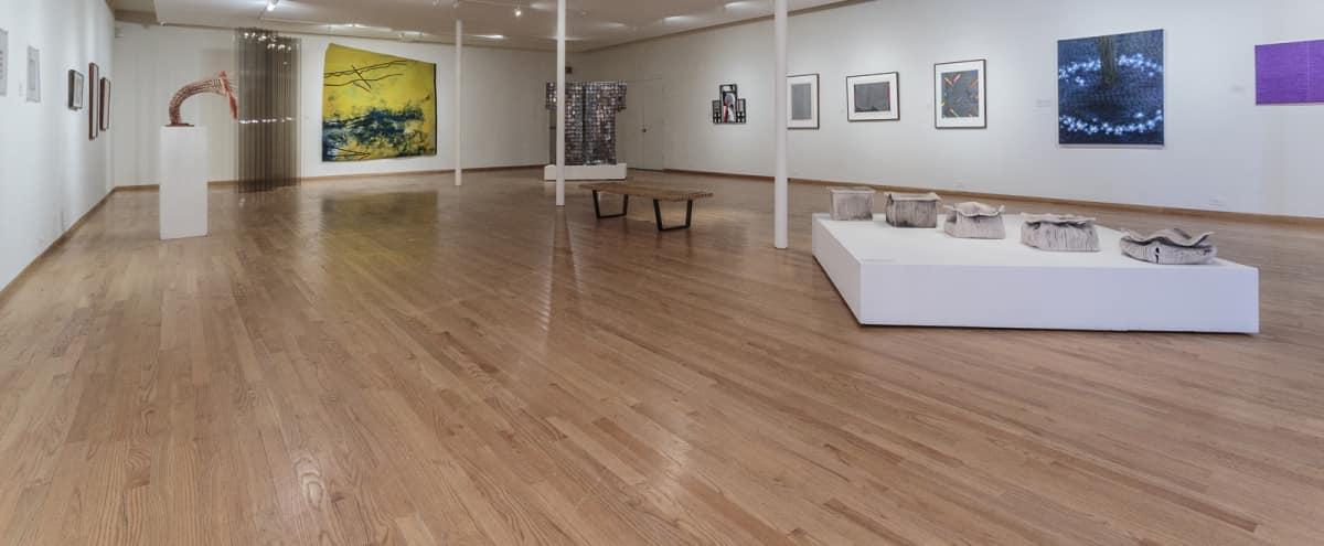 Spacious Contemporary Art Gallery in Chicago Hero Image in Ukrainian Village, Chicago, IL