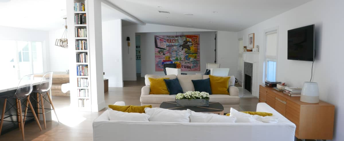 Creative Home Space in Sherman Oaks Hero Image in Sherman Oaks, Sherman Oaks, CA
