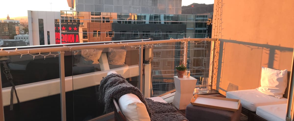 Outdoor Penthouse Sky Lounge Terrace in Los Angeles Hero Image in Hollywood, Los Angeles, CA