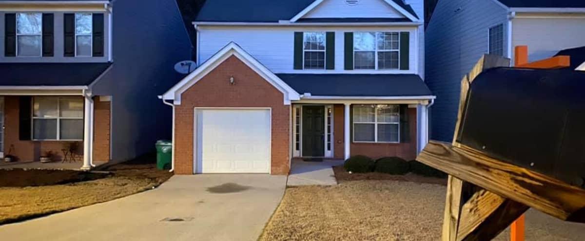 Small Comfy Condo 25 minutes from Atlanta in Lithonia Hero Image in Gwinnett Village, Lithonia, GA