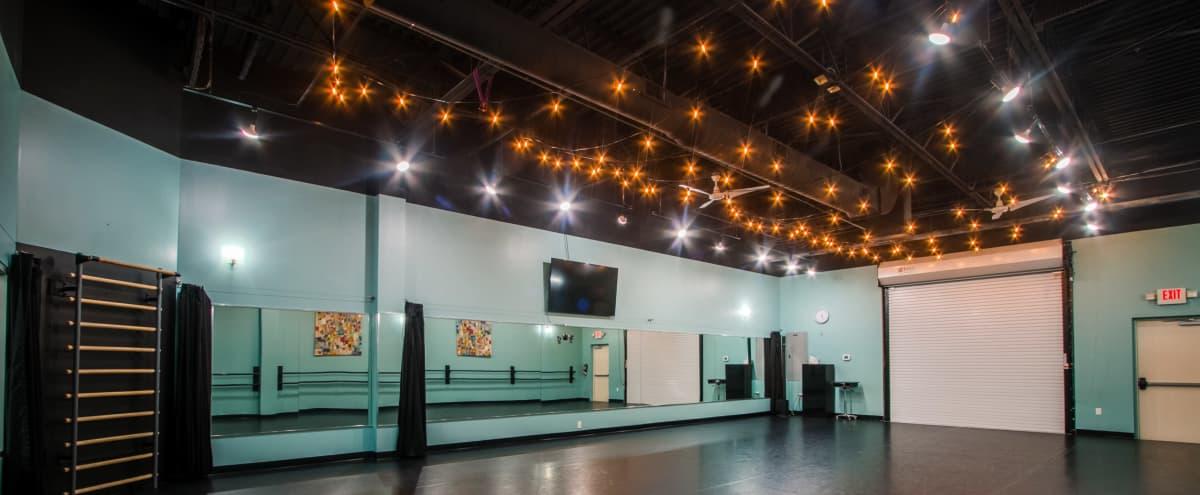 Bright 1,200 sq ft Studio w/ Large Mirrors in Orlando Hero Image in undefined, Orlando, FL