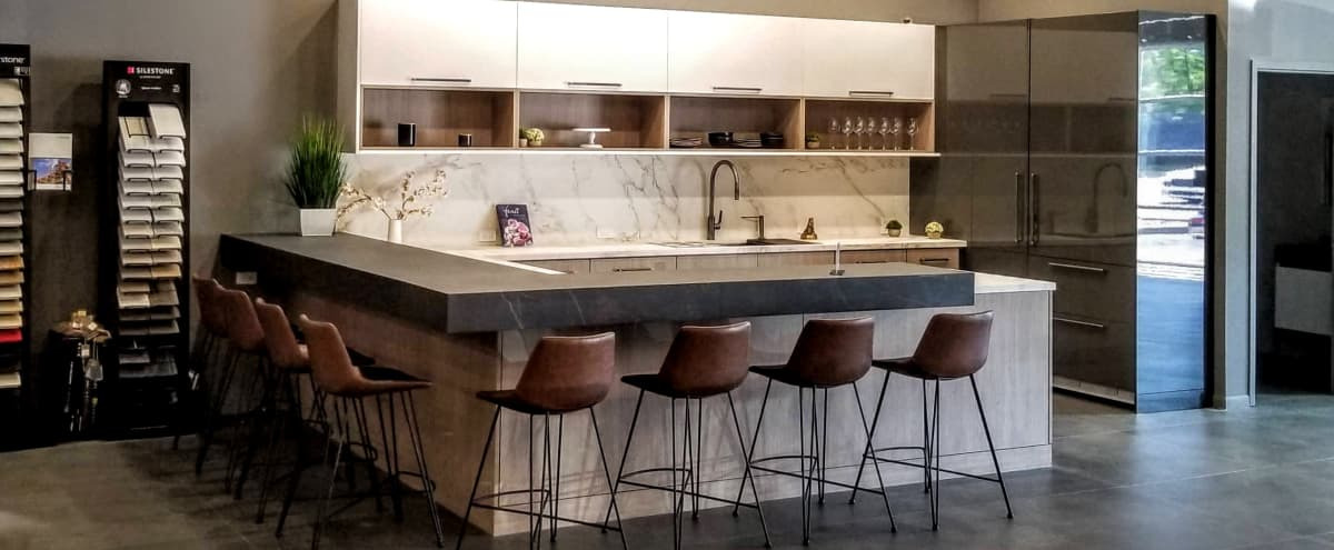 Spacious Design Showroom with Gorgeous Finishes in Chicago Hero Image in Near North Side, Chicago, IL