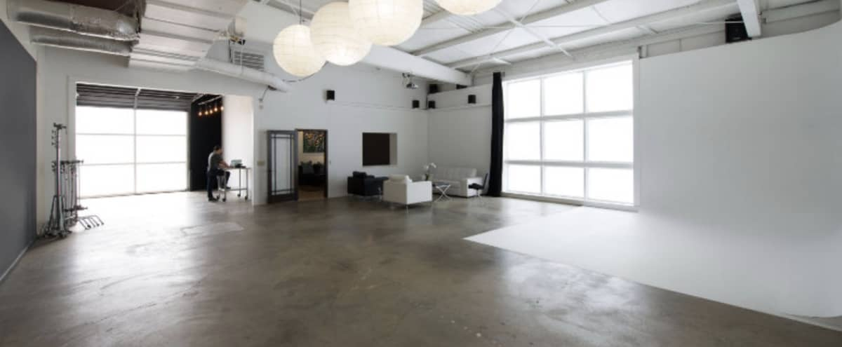 Natural Lit Spacious Modern Photo Studio in Franlkin Hero Image in undefined, Franlkin, TN