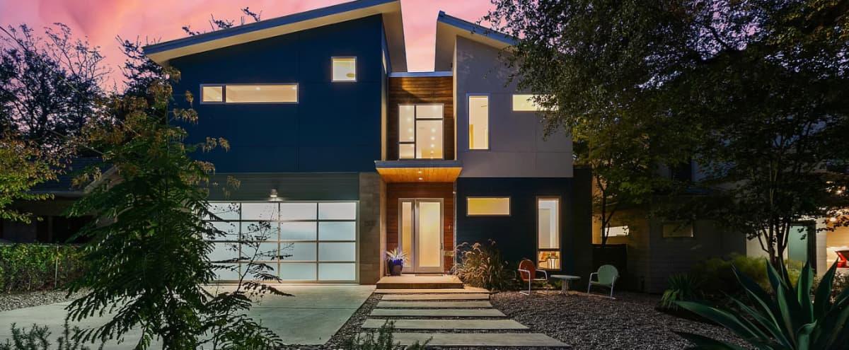 Stunning Architectural House near Downtown in Austin Hero Image in Bouldin Creek, Austin, TX
