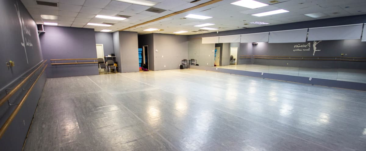Spacious Studio Space for Classes & Events in HOUSTON Hero Image in Clear Lake, HOUSTON, TX