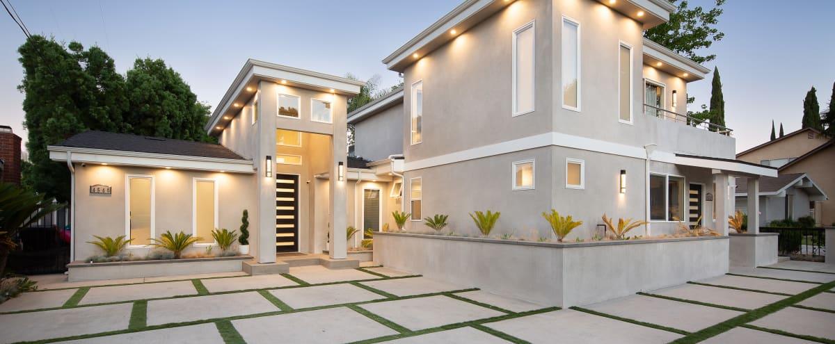 MODERN ENCINO HOUSE in Encino Hero Image in Encino, Encino, CA