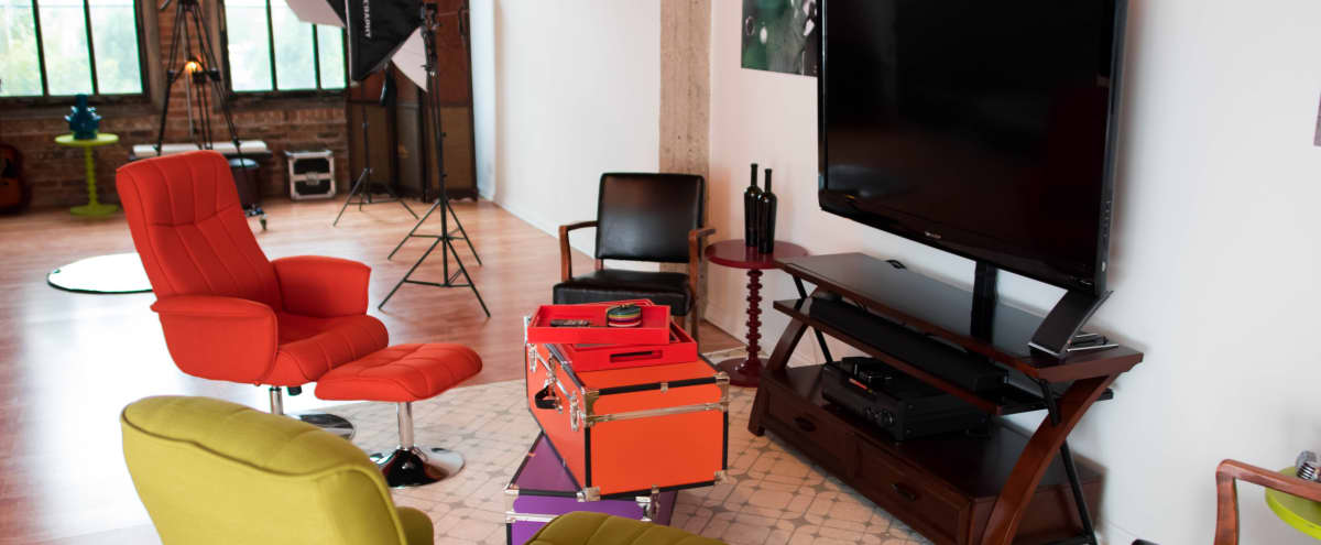 Complete Photography Studio With Meeting Lounge in Artist Loft in Chicago Hero Image in Pilsen, Chicago, IL