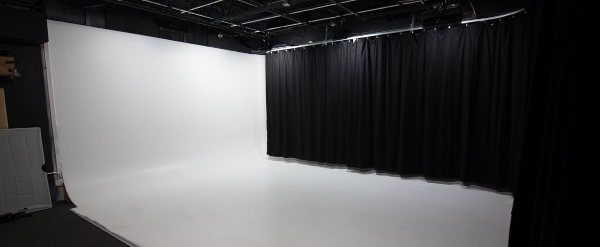 Studio Space for Photography and Video in Deerfield Hero Image in undefined, Deerfield, IL
