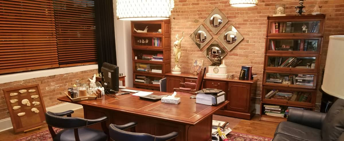 Luxurious Office Space | Perfect for Meetings in Chicago Hero Image in Greektown, Chicago, IL