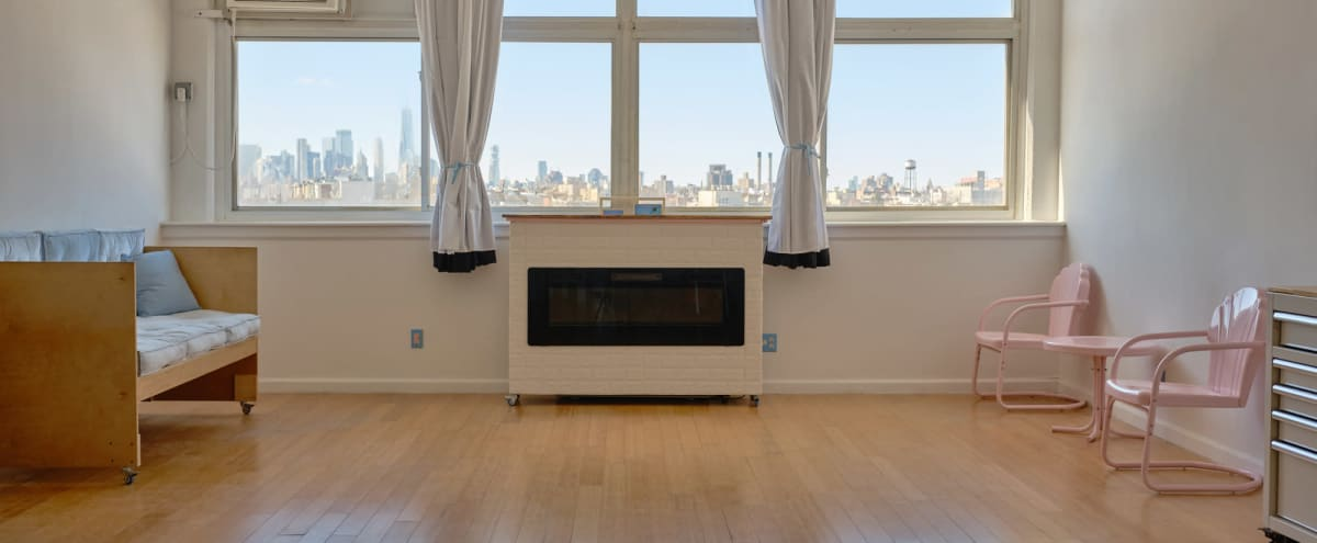 Daylight Photo Studio with Skyline View - Full EQ included in Brooklyn Hero Image in Greenpoint, Brooklyn, NY