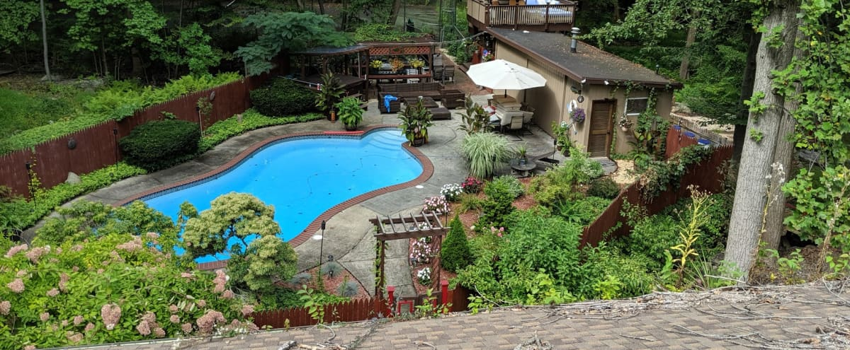 Outdoor Family/Small Celebration Venue in Morris Plains Hero Image in undefined, Morris Plains, NJ