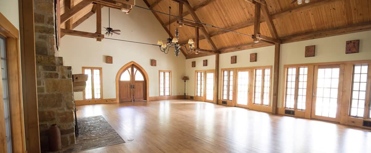 Cozy Hall with Fireplace & Grand Piano in Wimberley Hero Image in undefined, Wimberley, TX