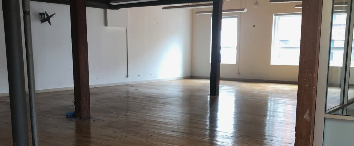 Chic/urban loft 5000 sq.feet located in the heart of the city in Chicago Hero Image in Near North Side, Chicago, IL