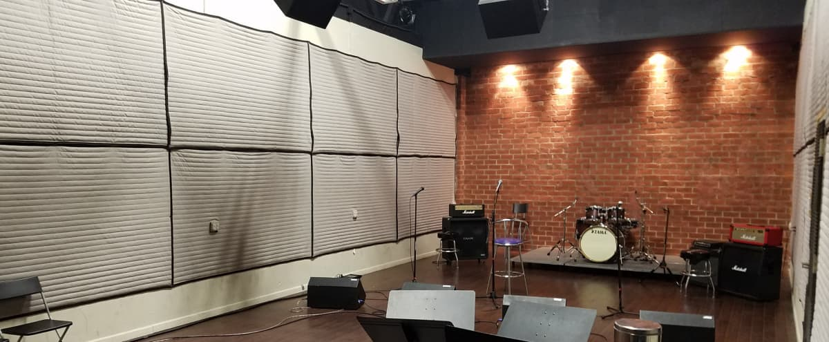 1,000 sq. ft. Space for Rehearsals, Video Shoots, Live Streams, and Photography in Los Angeles Hero Image in Northeast Los Angeles, Los Angeles, CA