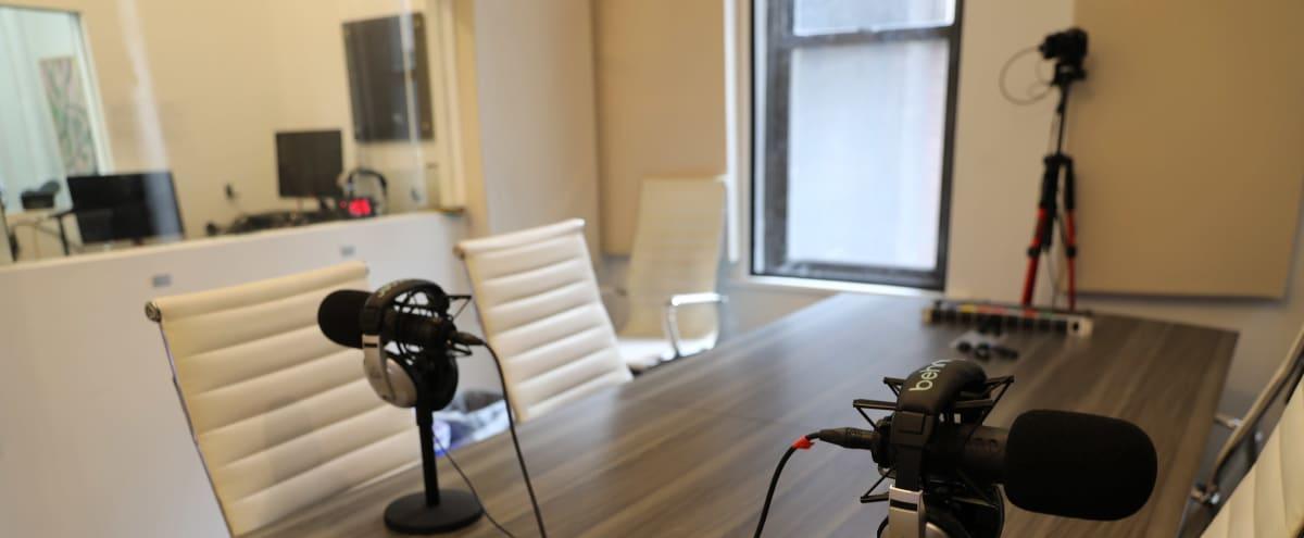 Freedom Podcast Studio in Midtown Manhattan in New York Hero Image in Midtown Manhattan, New York, NY