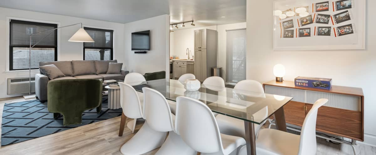 Stylish Coach House w 8 Person Conference Table & Full Kitchen in Chicago Hero Image in Park West, Chicago, IL