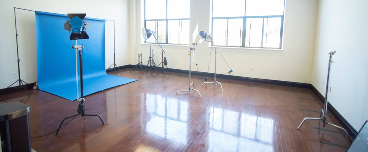 Studio 101 - Classy Studio with Natural Light in Inglewood Hero Image in undefined, Inglewood, CA