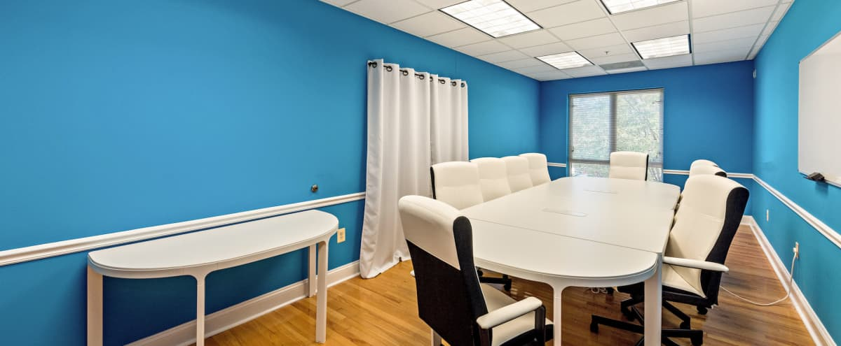 Colorful Meeting and Event Space in Del Ray in Alexandria Hero Image in Potomac West, Alexandria, VA
