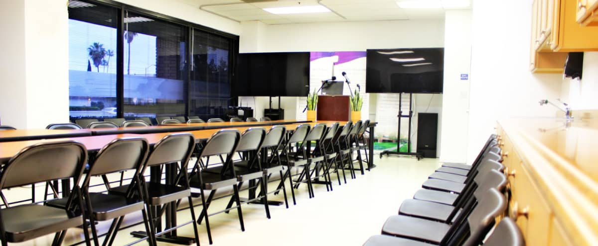 Downtown San Jose Airport ,Party Room,Spacious and Quiet Hi-Tech Meeting Room in Downtown San Jose(Close to Mineta San Jose International Airport,0.9Mile ) in San Jose Hero Image in North San Jose, San Jose, CA