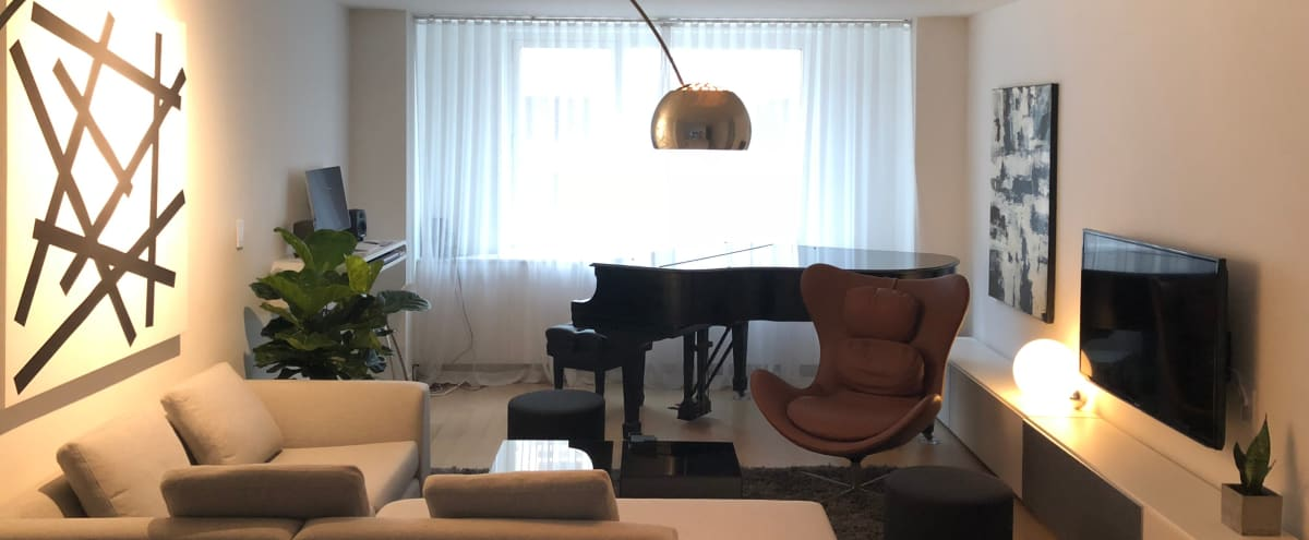 Modern Luxury Midtown Apartment with Steinway Grand Piano in New York Hero Image in Midtown Manhattan, New York, NY