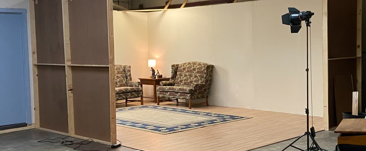 Film set and extra space in a Private Studio $120/day $200/24 hrs in St. Charles Hero Image in undefined, St. Charles, IL