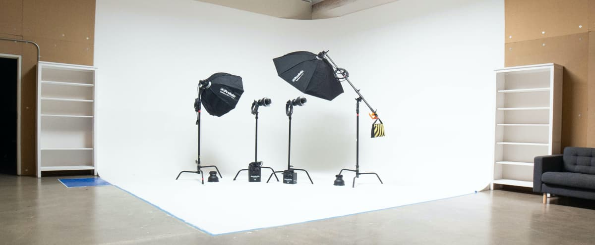 Beautiful Natural Light Photo & Video Studio with Infinite Cyc Wall in Tustin Hero Image in undefined, Tustin, CA
