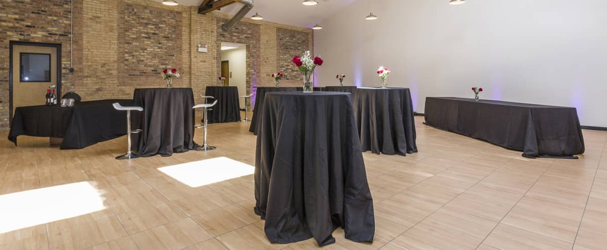 Spacious North Center Studio Next to the Chicago River in Chicago Hero Image in North Center, Chicago, IL