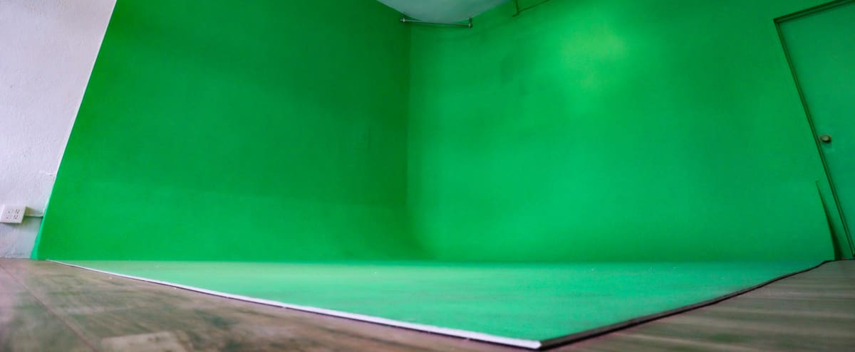 PRE-LIT GREEN CYC WALL STUDIO in inglewood Hero Image in undefined, inglewood, CA