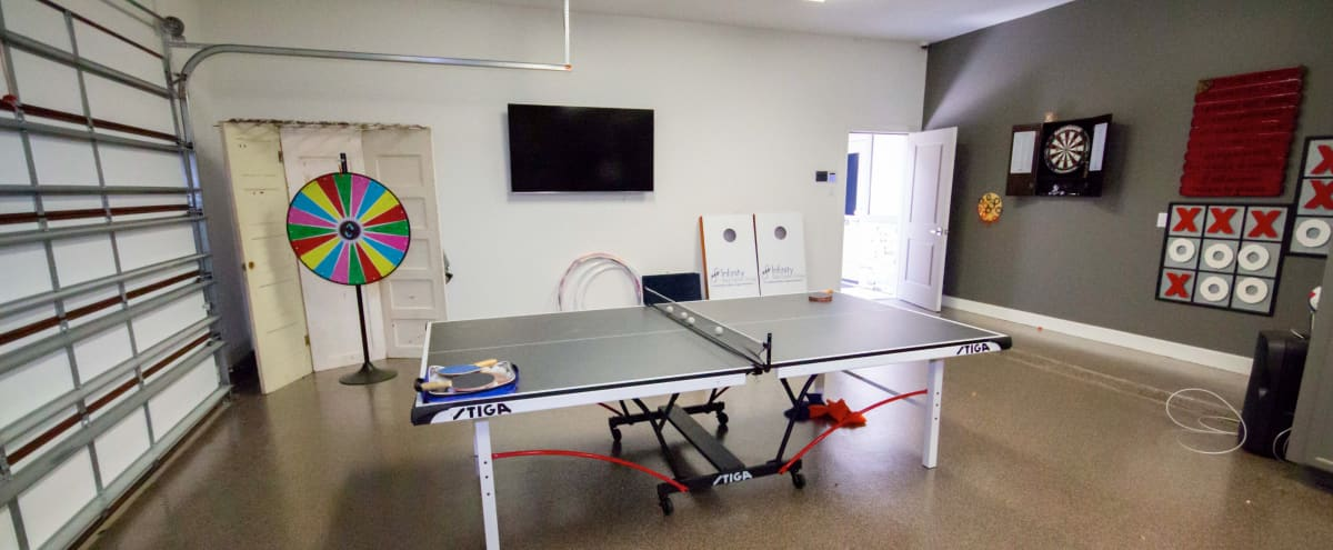 Rec Room Space for Meetups & Team Building in Pearland Hero Image in undefined, Pearland, TX