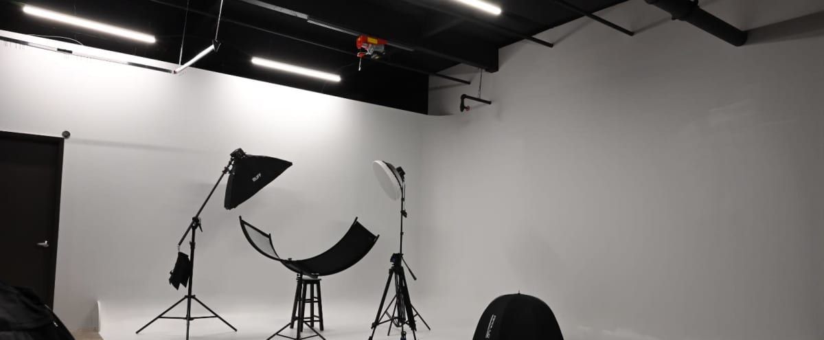 Spacious S King County Studio For Production / Photo With A Cyc Wall in Kent Hero Image in undefined, Kent, WA