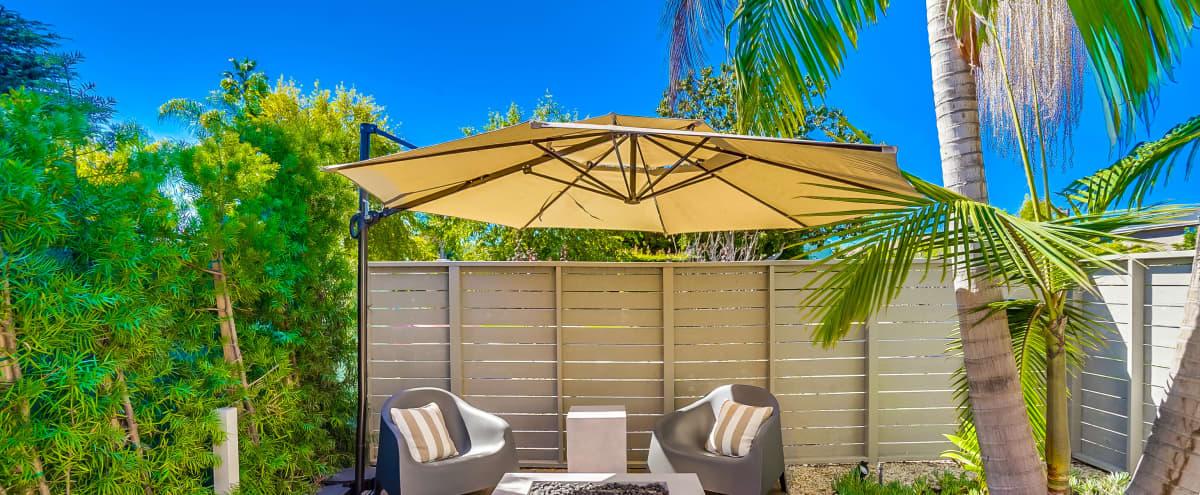 Chic outdoor area in Los Angles Hero Image in Mar Vista, Los Angles, CA