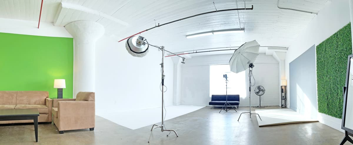 Large Professional Studio with Natural Light, Multiple Backgrounds and Free Lighting Gear in Los Angeles Hero Image in Central LA, Los Angeles, CA