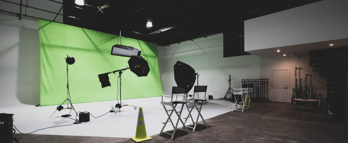 Spacious West Berkeley Film/Photo Studio with Seamless Cyc in Berkeley Hero Image in Southwest Berkeley, Berkeley, CA