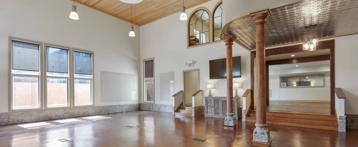 Large Studio - Strategic Planning / Meeting / Training / Business Events w/ Modern Conveniences in Historic Germantown adjacent to Downtown Nashville in Nashville Hero Image in Germantown, Nashville, TN