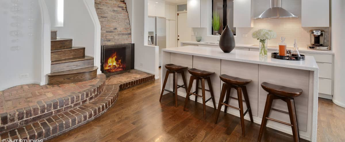 Upscale Condo in the Heart of Gold Coast in Chicago Hero Image in Gold Coast, Chicago, IL