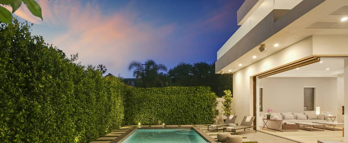 MODERN WeHo SPACIOUS VILLA! Pool, Hot tub, Gourmet Kitchen, Patio & Fire Pit in LOS ANGELES Hero Image in Central LA, LOS ANGELES, CA