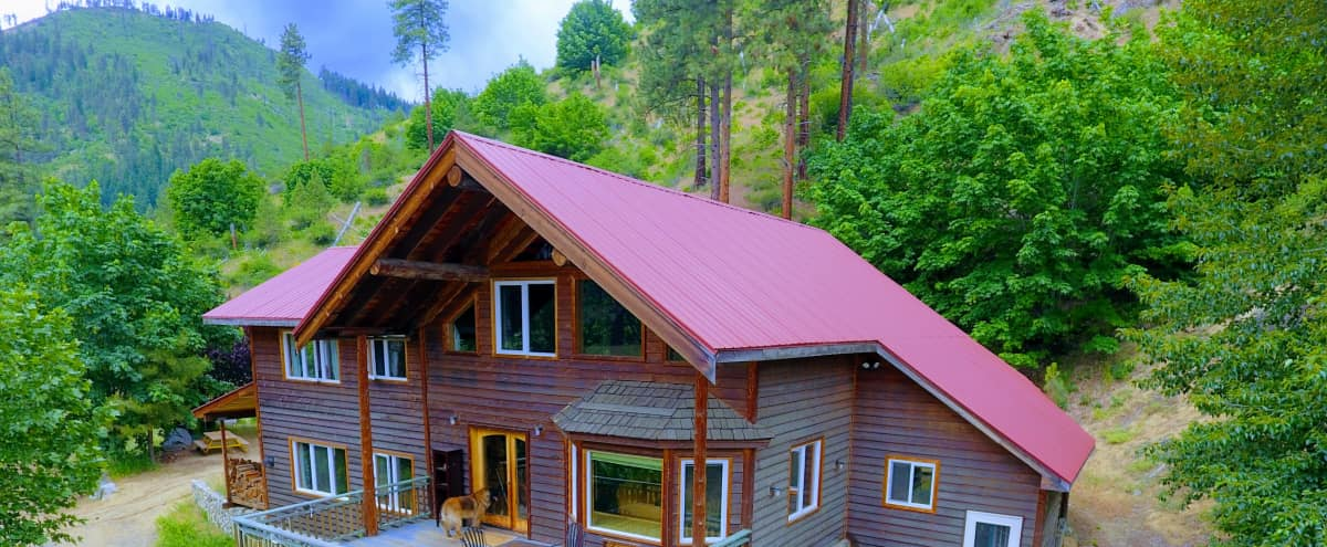 Private Mountain View 23 Acre Lodge to Celebrate in Leavenworth Hero Image in undefined, Leavenworth, WA