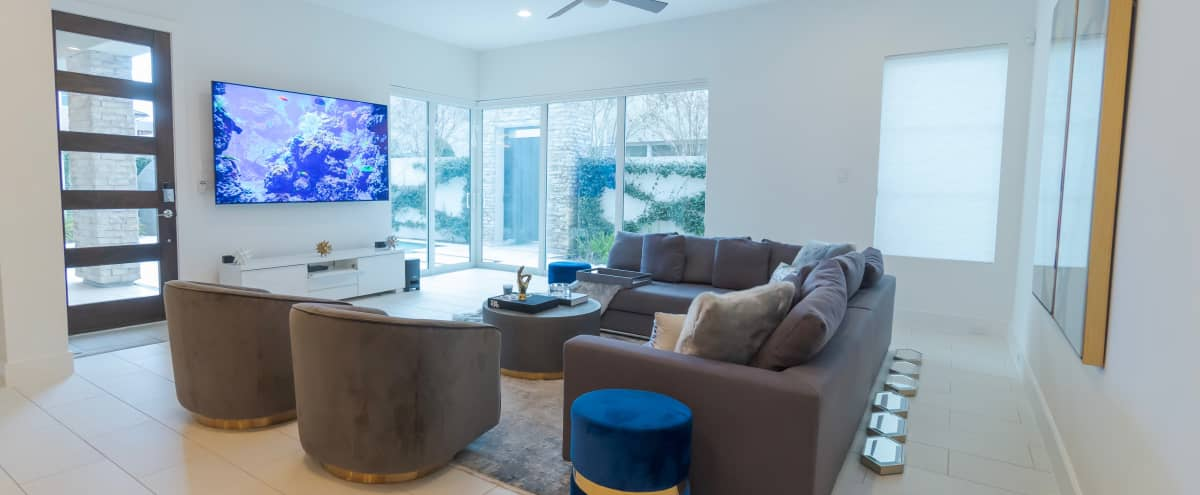Luxury Modern Villa in houston Hero Image in Westchase, houston, TX