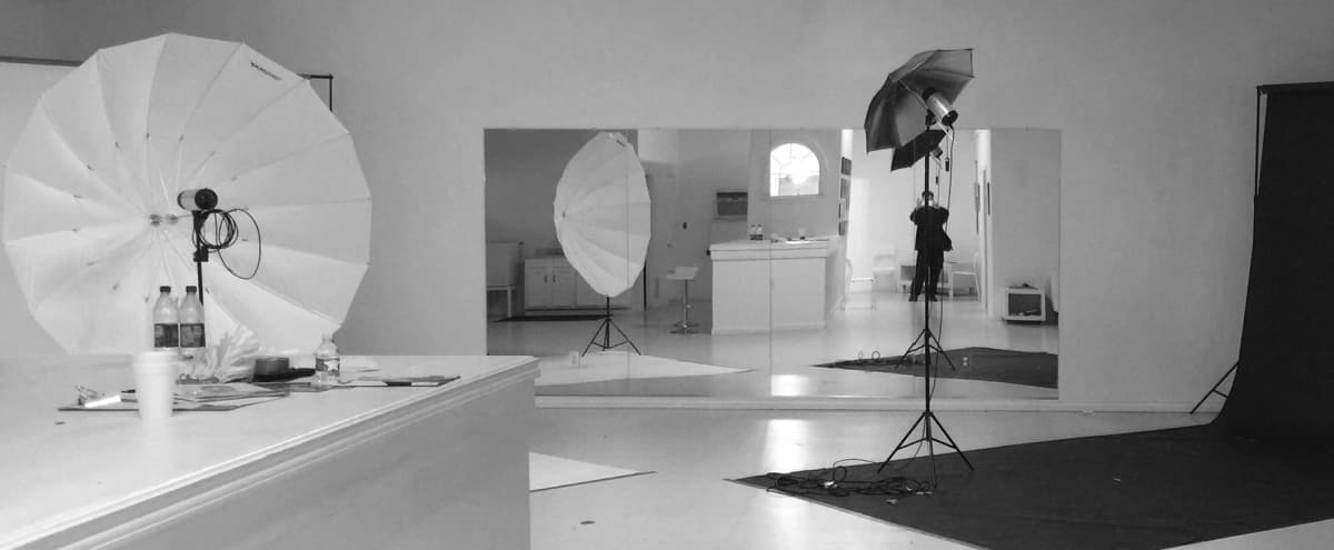 2000 Sq. Ft. Photo/Video Studio in Houston Hero Image in undefined, Houston, TX