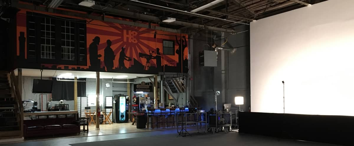 Hidden Industrial Warehouse with Full Amenities in Baltimore Hero Image in undefined, Baltimore, MD