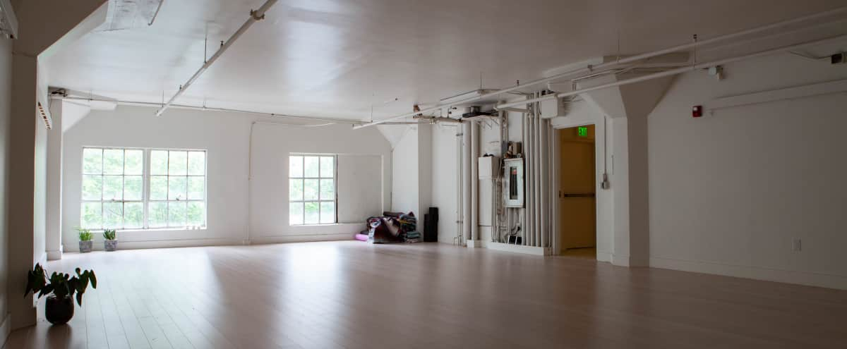 Beautiful, Spacious & Light-Filled Studio perfect for photoshoots in Seattle Hero Image in Downtown, Seattle, WA