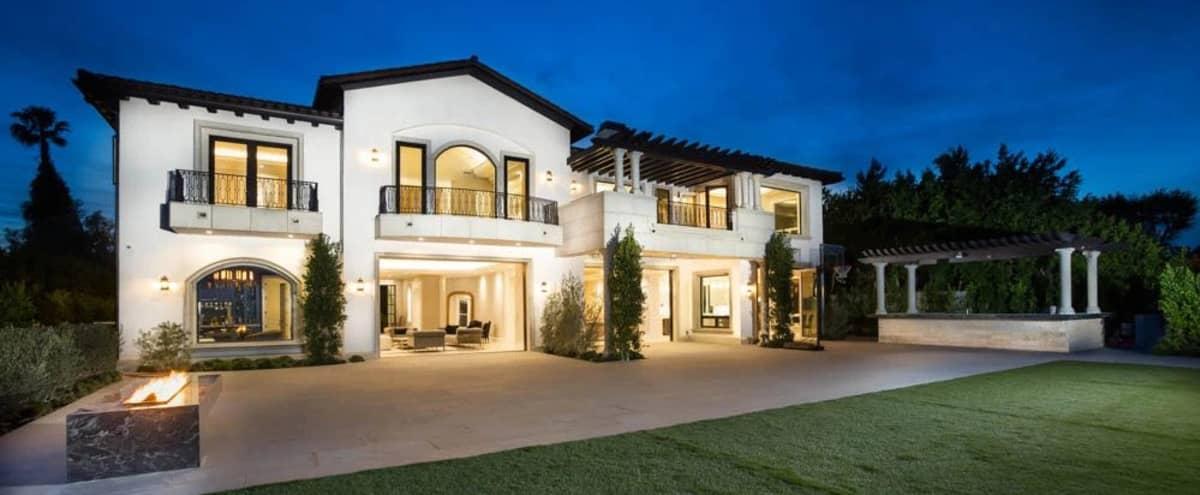 Modern Contemporary Villa in Los Angeles Hero Image in Bel Air, Los Angeles, CA